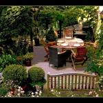 garden-250955_1280