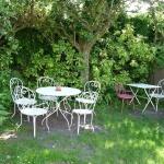 garden-furniture-242650_1280
